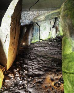 Barclodiad Y Gawres, Anglesey